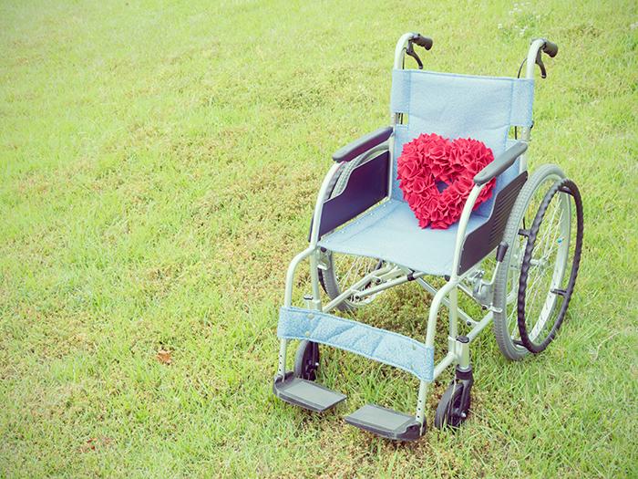 ハートが乗った車椅子